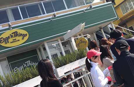 エッグスンシングス江ノ島店 昼間はこんなに行列