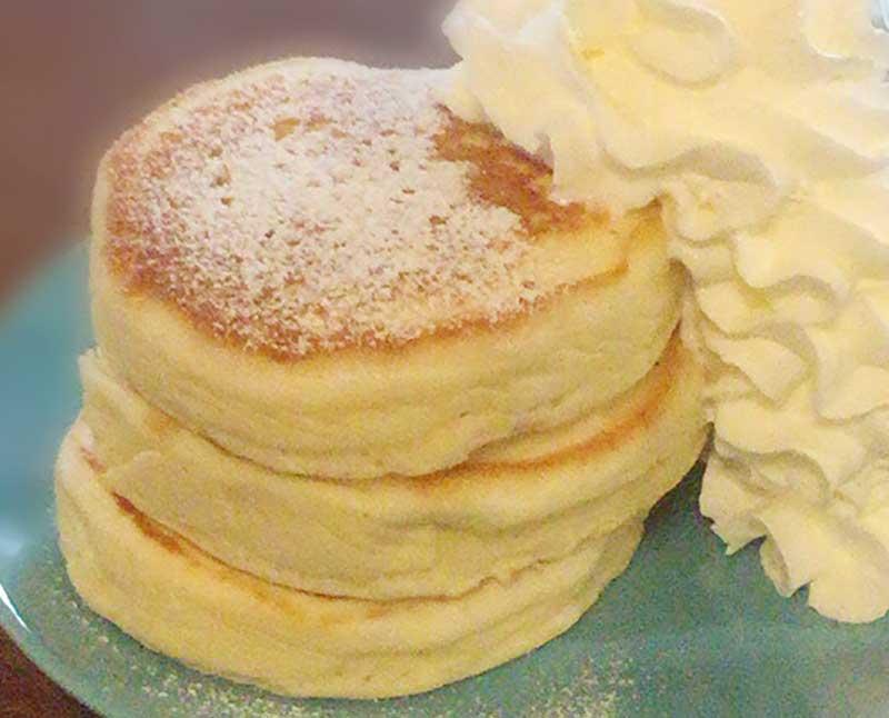 どっしり超分厚いパンケーキ生地