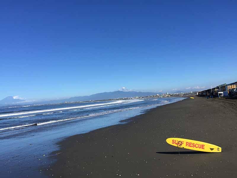 富士山もバッチリ見られるビーチ