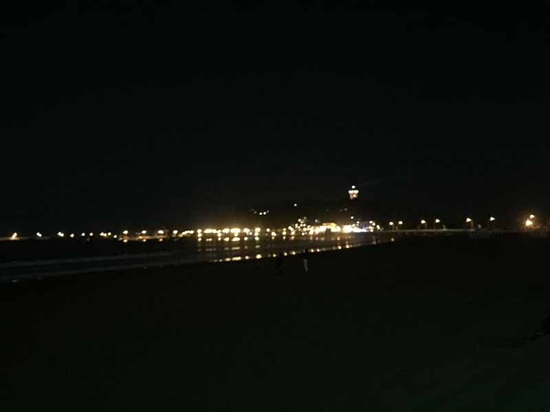 夜の江ノ島片瀬東海岸