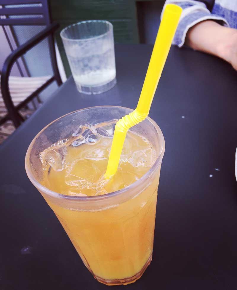 100%フルーツジュース(オレンジ)