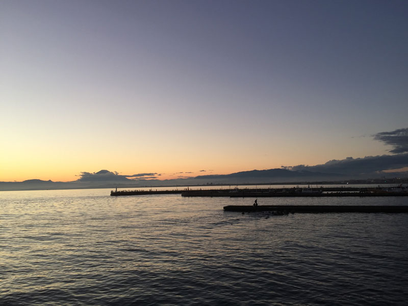 富士山もうっすら見えます富士山もうっすら見えます