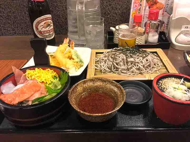 海鮮丼と蕎麦のセット定食