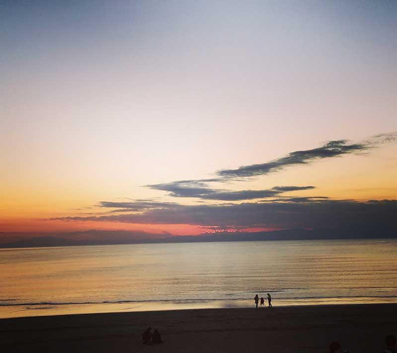 おすすめ食べ歩きスポットは海