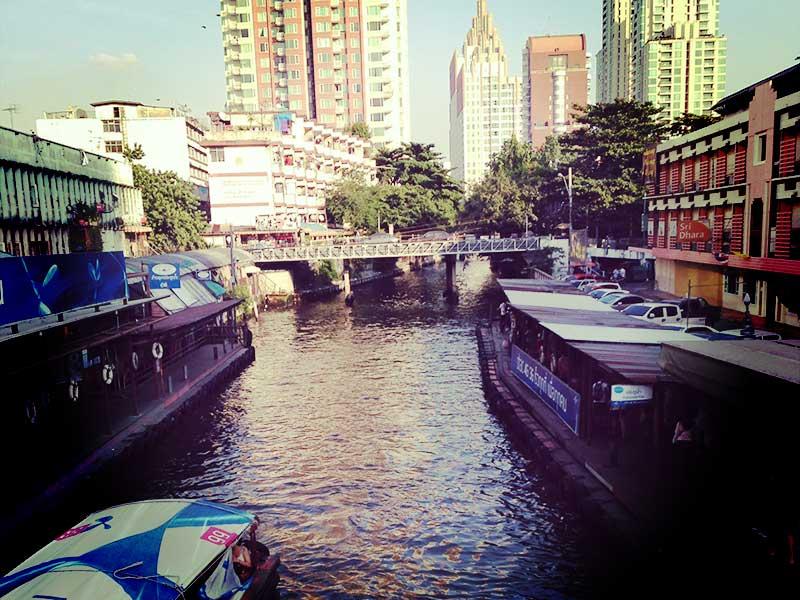 バンコクで短期ノマド生活を送る
