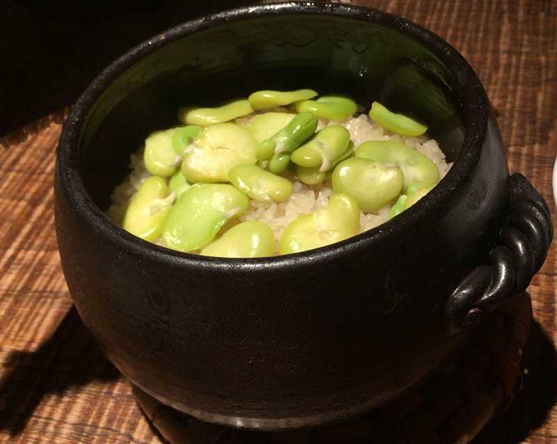 そら豆の土鍋ご飯