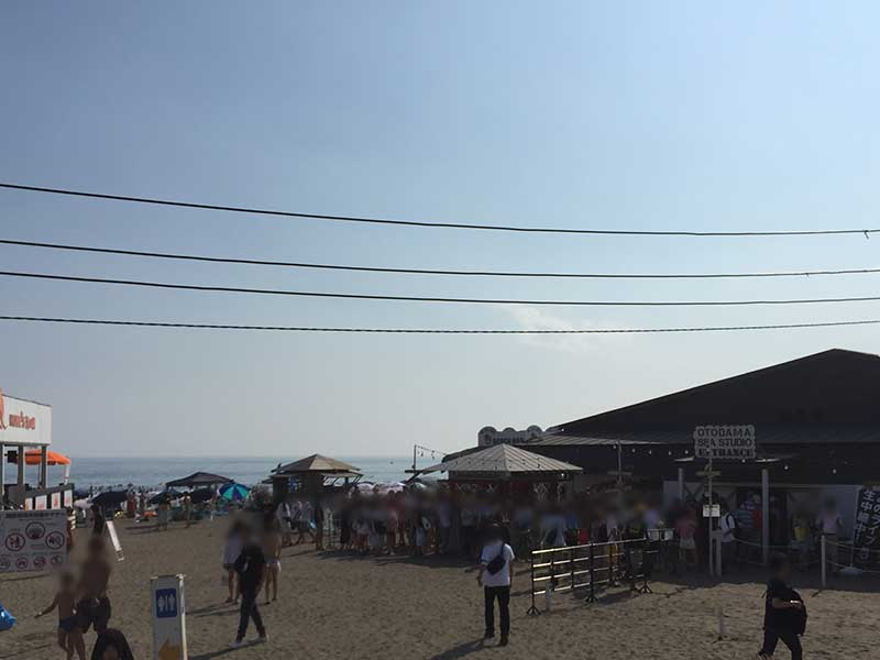 真夏の由比ヶ浜