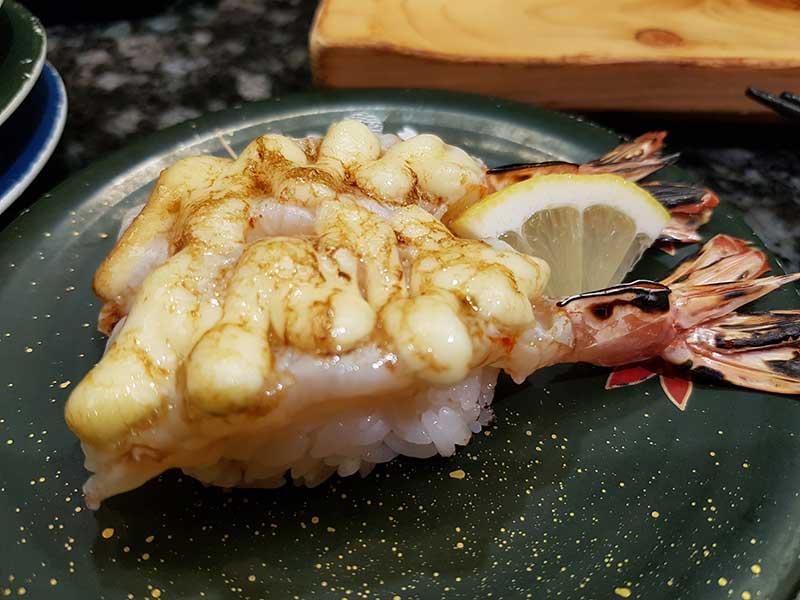 香ばしい赤海老のマヨ焼き