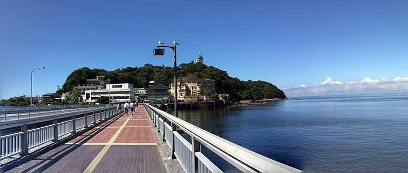 橋を渡って江ノ島へGO