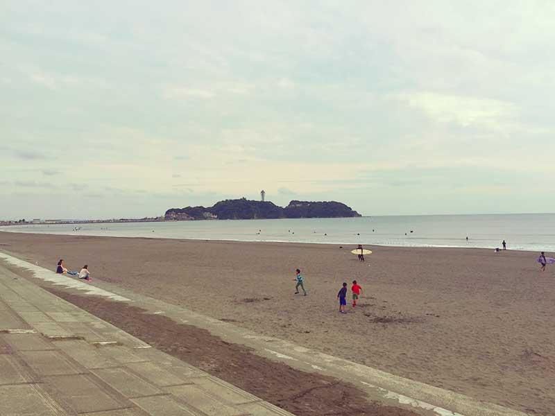 浜辺も静かで気持ちいい秋の江ノ島