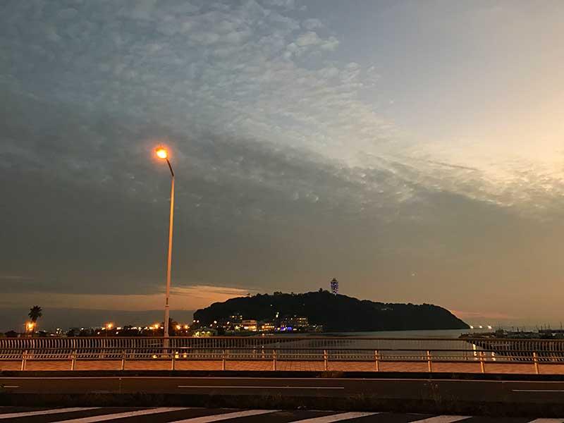 江ノ島を眺めながら