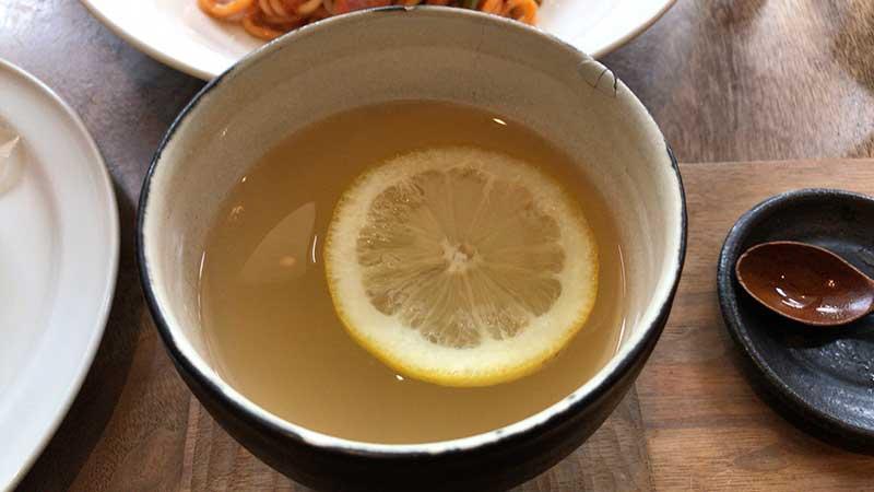 レモンを浮かべて