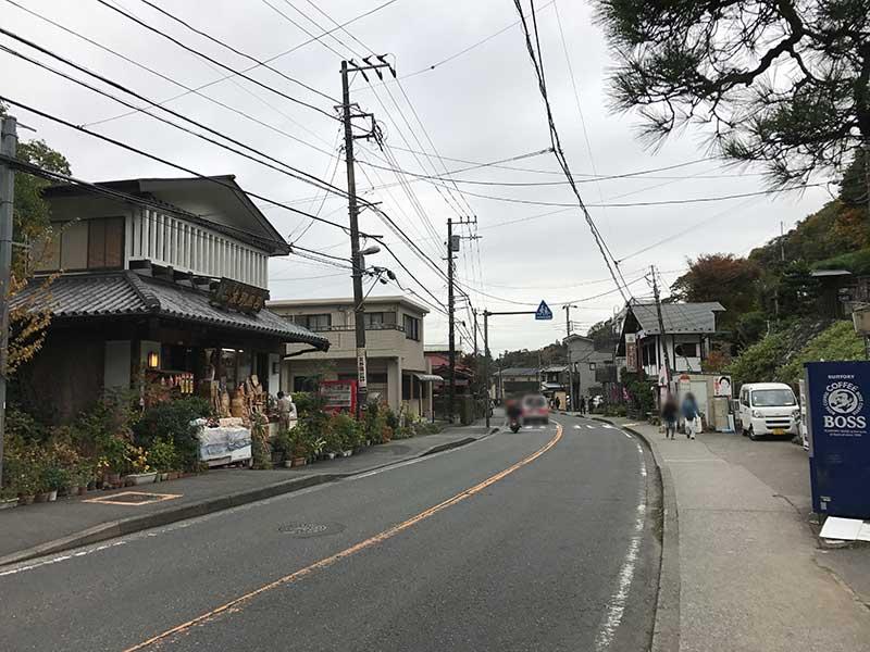 静かな北鎌倉の通り