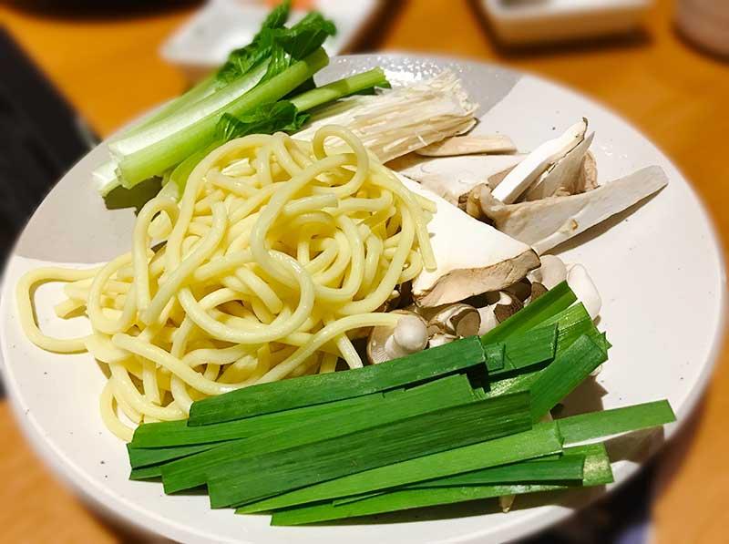 ちょっと太めの中華麺