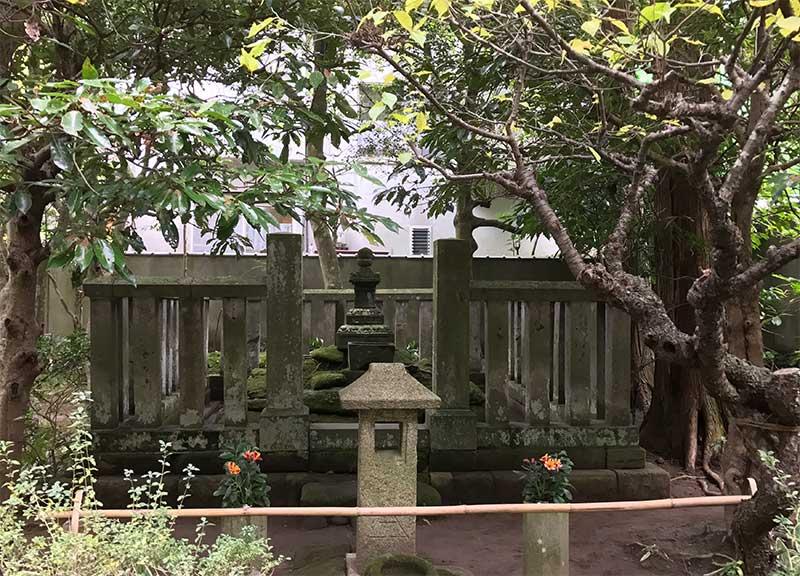 北条時頼の墓所と廟所