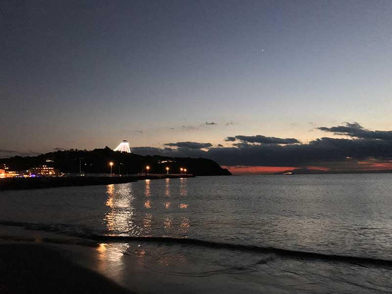 江ノ島のライトアップが始まりました