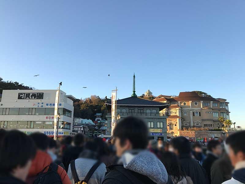 江ノ島の入口も大混雑