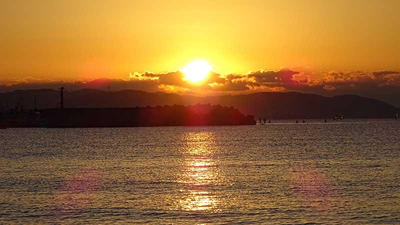 【江ノ島片瀬海岸東浜】混雑なし!初日の出と富士山が拝めるおすすめ穴場スポット!
