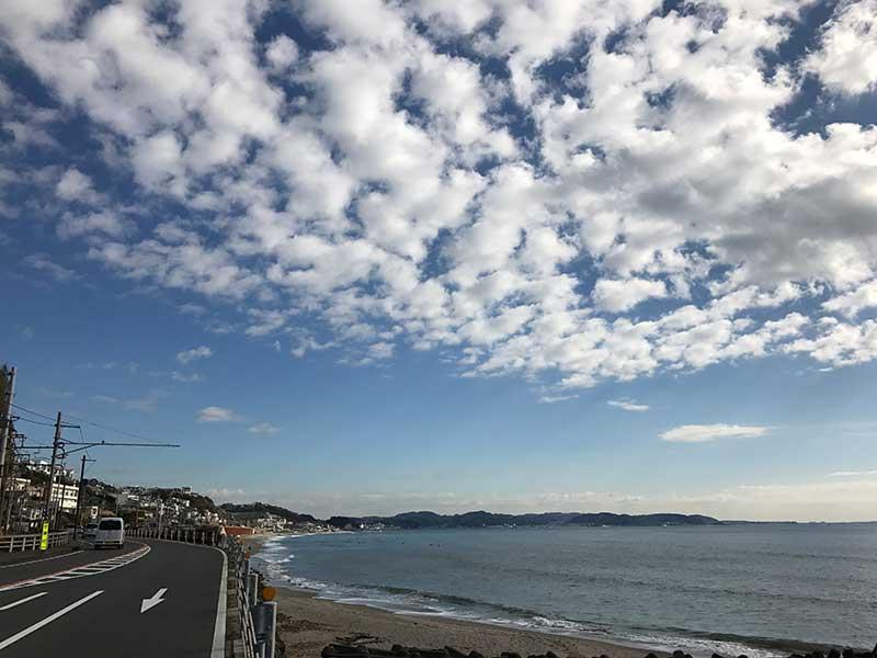 海沿いをずんずん走って(歩いて)