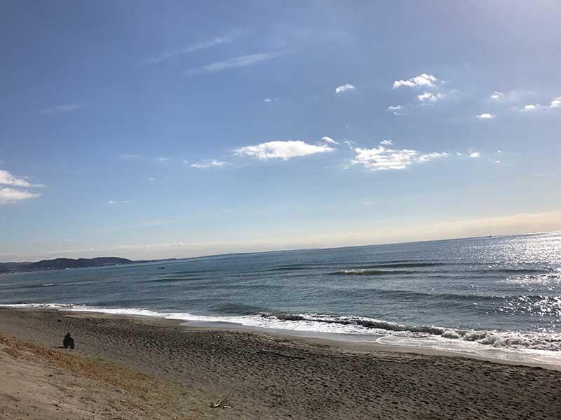 七里ヶ浜をぶらぶら歩く