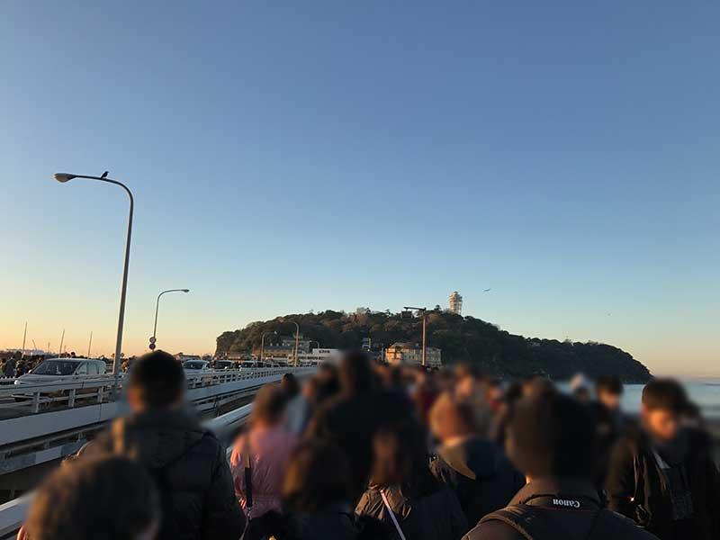 江ノ島に渡る弁天橋も大大大混雑