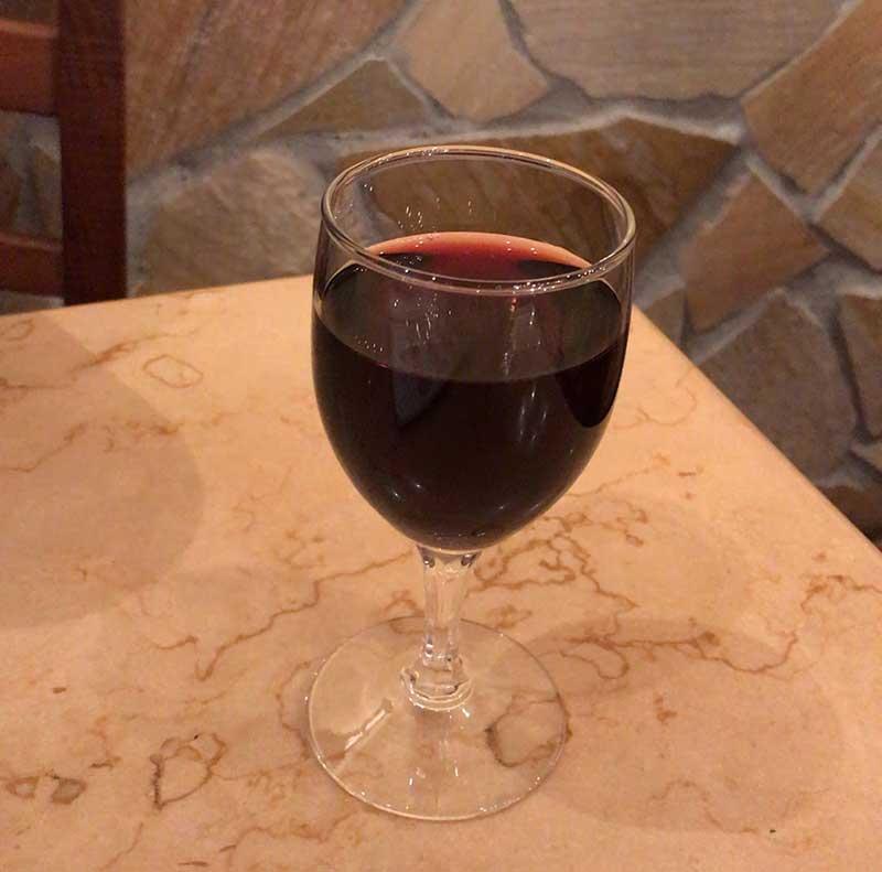 ワインも2杯目だー