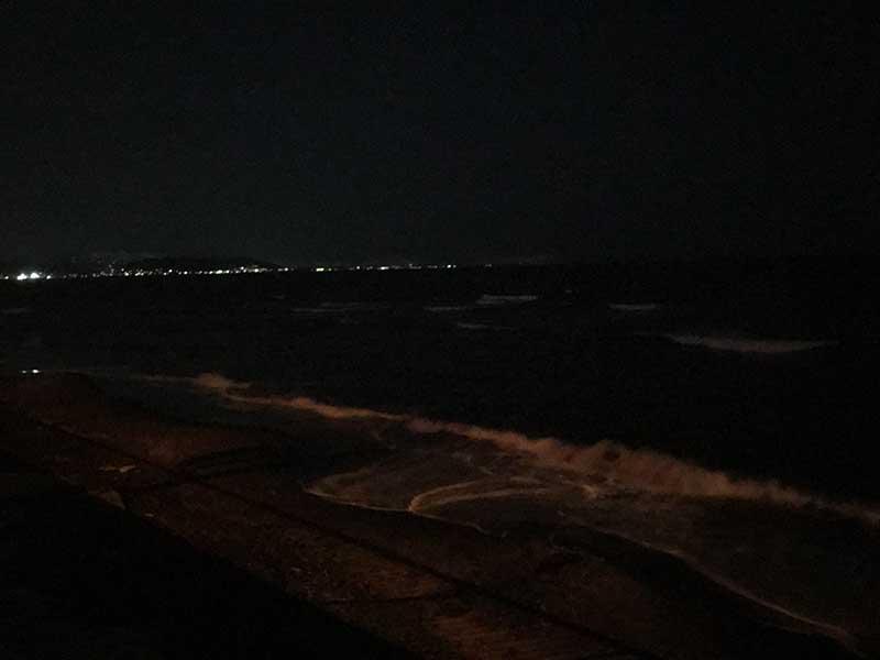 七里ヶ浜も夜光虫なし