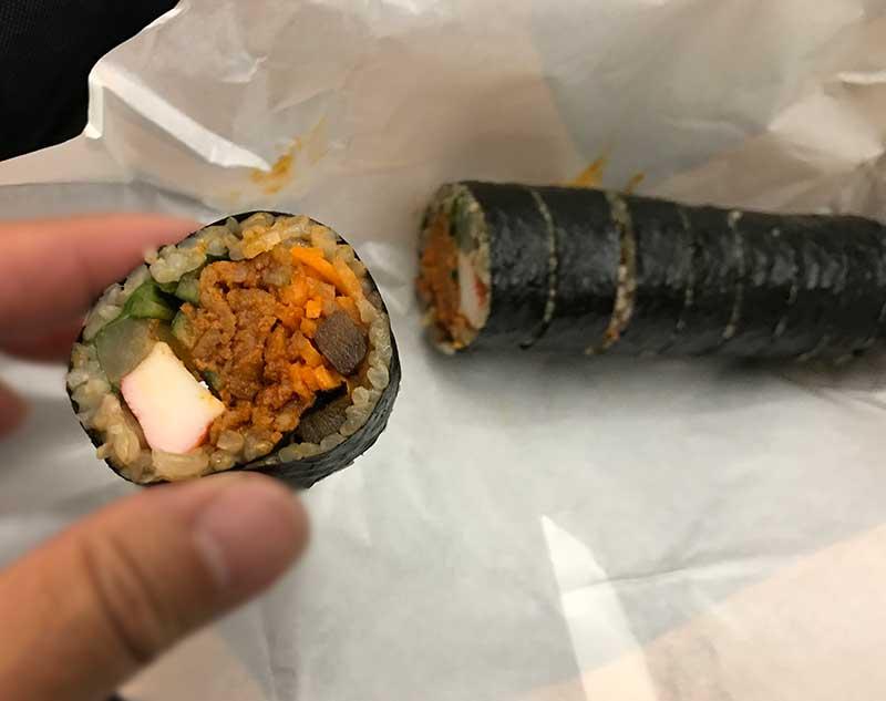 肉と野菜と辛いキムチがぎっしり旨い