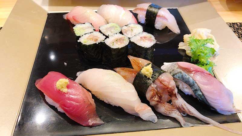 店員さんオススメの地魚旬寿司