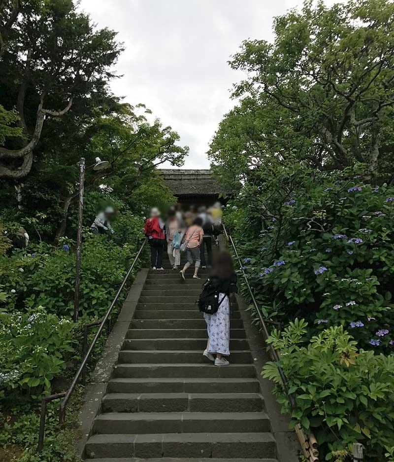 東慶寺の山門