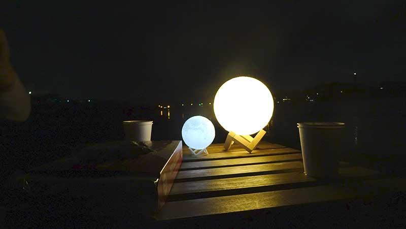 月夜のテーブルライトにぴったり