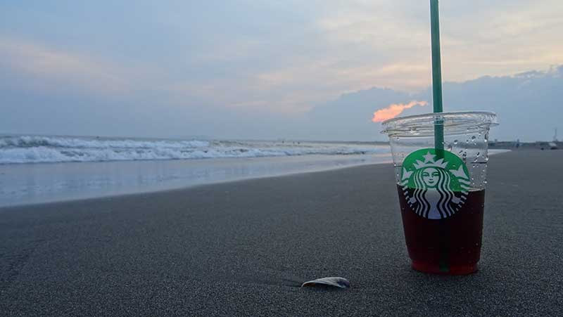 海辺でたそがれコーヒー