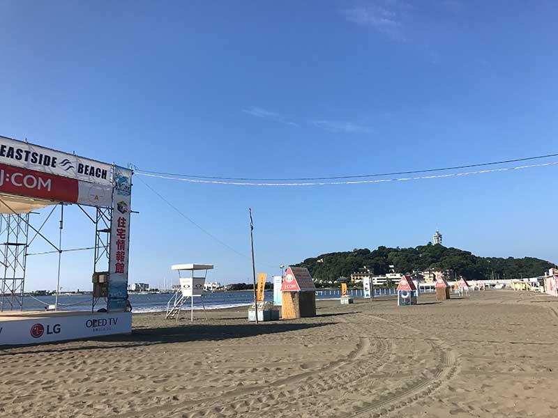 江ノ島の東側にあるので東浜