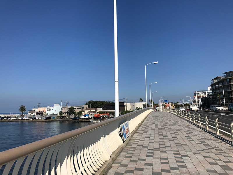 東浜と西浜を結ぶ橋