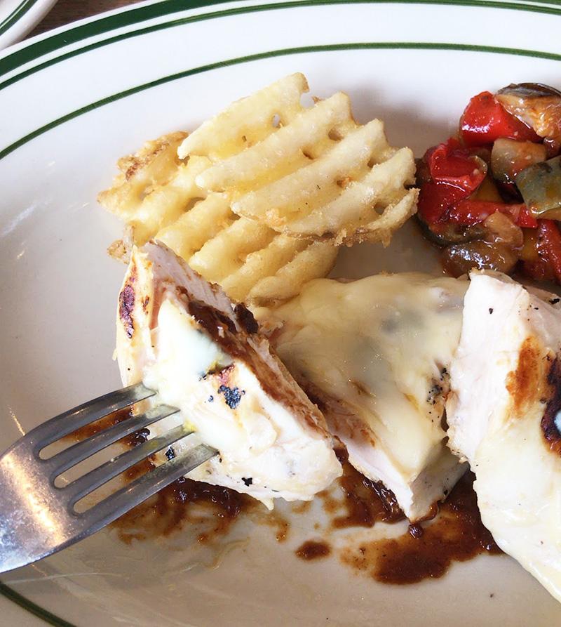 パサッとした鶏肉とチーズの味