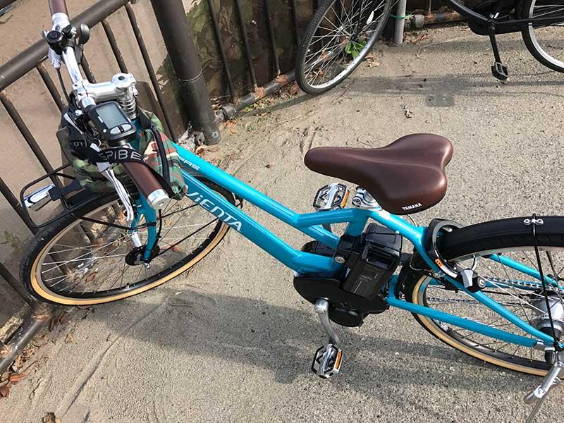 由比ヶ浜海水浴場の目の前の自転車置き場