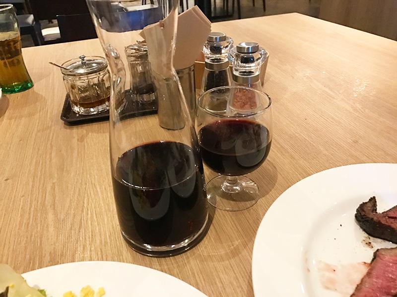 ワインもデキャンタでガブガブと