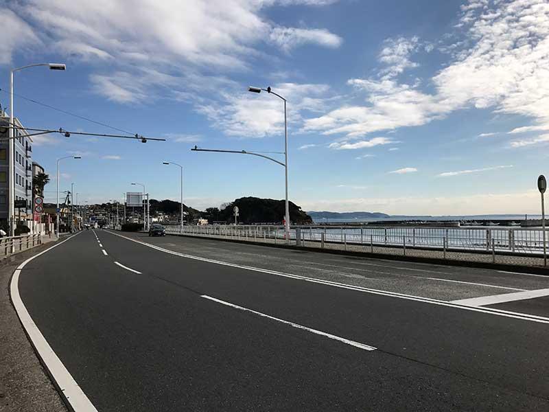 江ノ島と鎌倉の間にある腰越