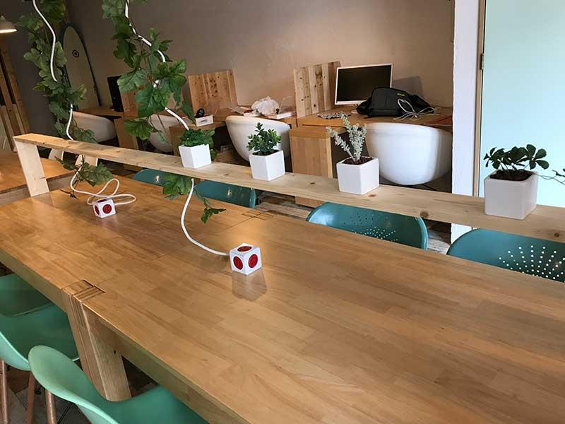 4人掛けの大テーブル