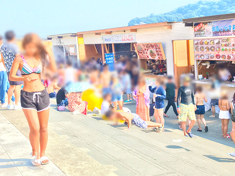 夏休みが始まって大盛況の西浜海水浴場
