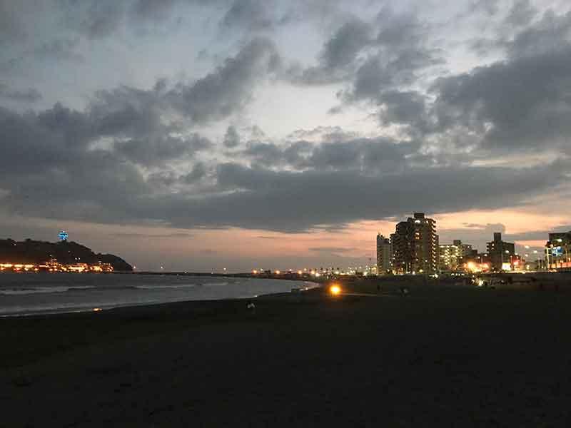 腰越海岸の夜景は中々素敵です