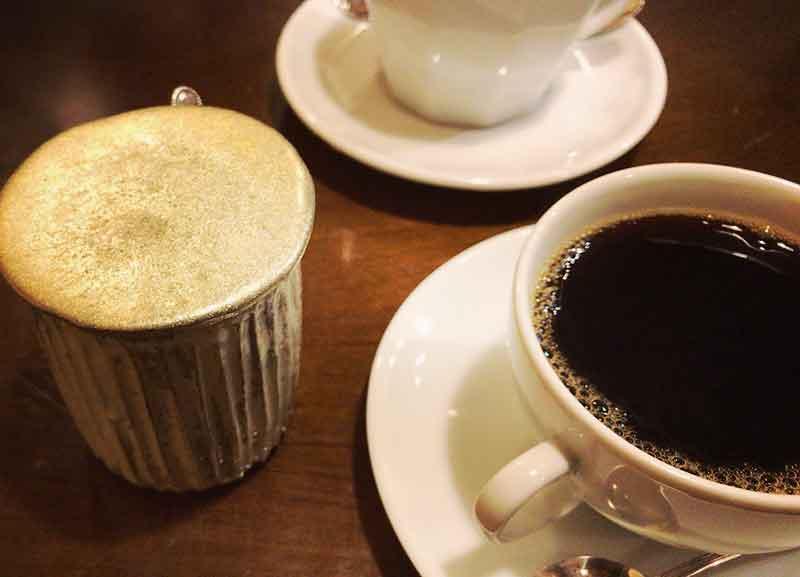 深い苦味のコーヒー「ジジ」