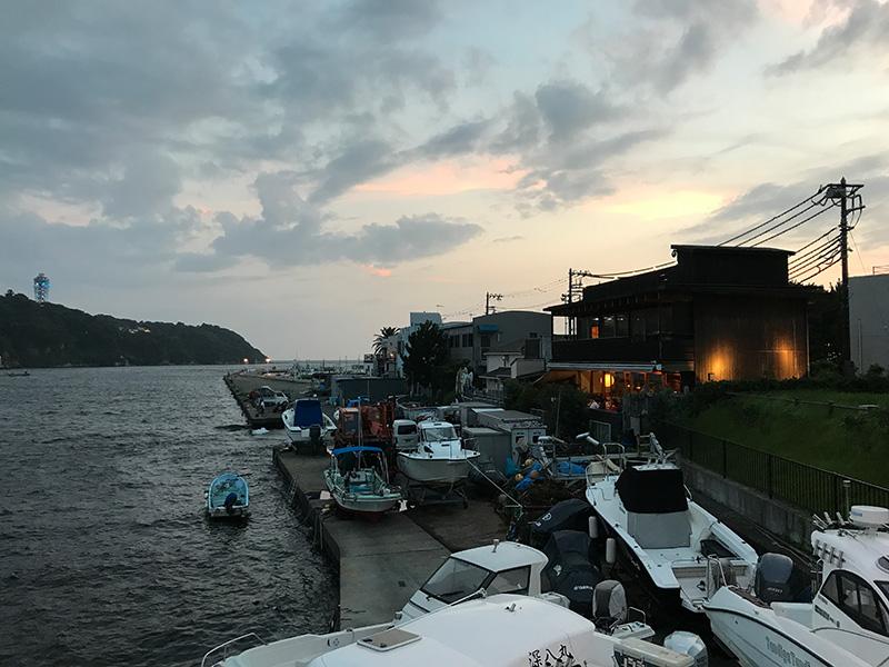 海に面した江ノ島小屋