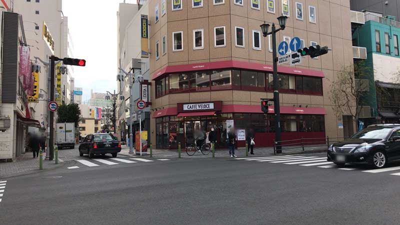 藤沢駅北口にある小さい方のベローチェ