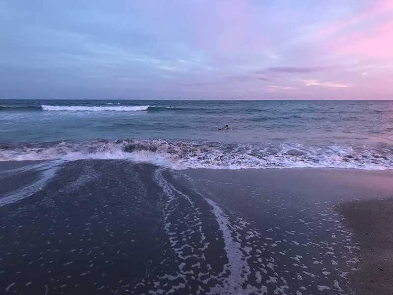 夕暮れ時の七里ヶ浜