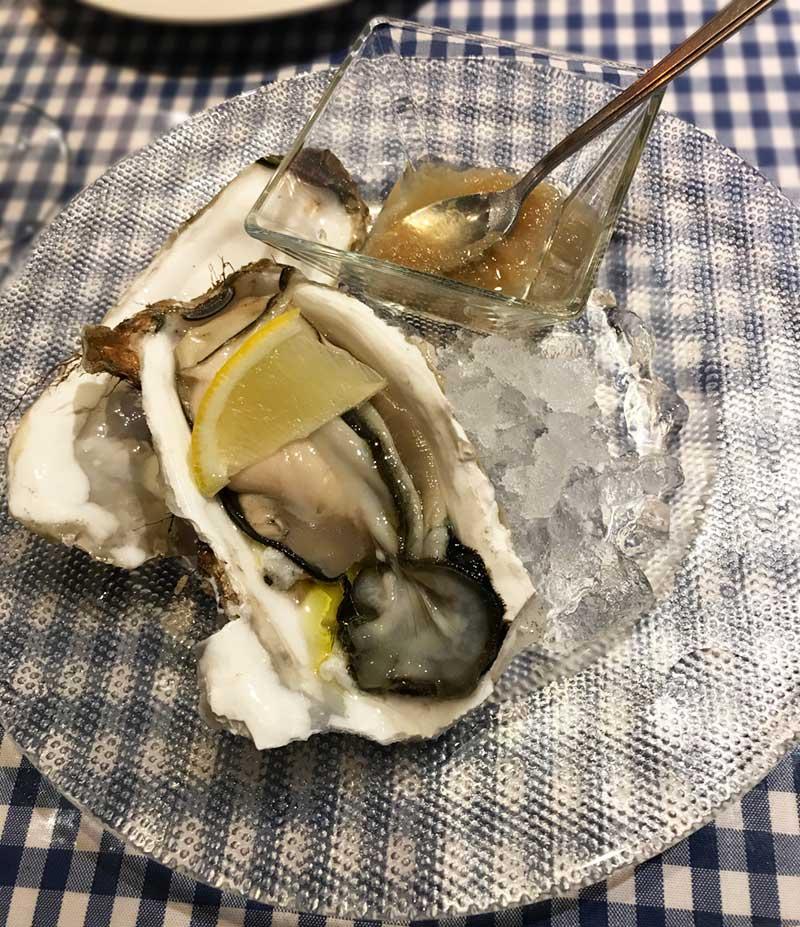 北海道産の生牡蠣