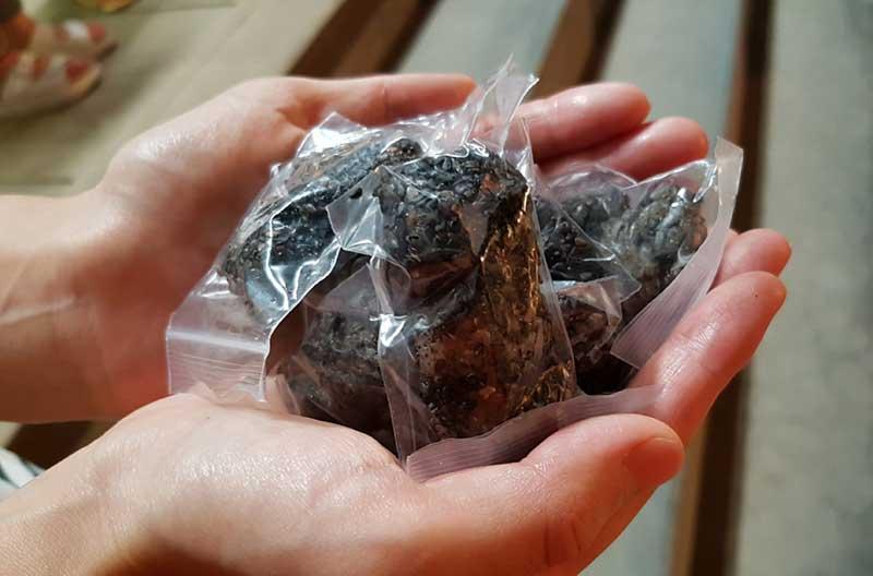 念願の龍口寺のぼた餅をゲット