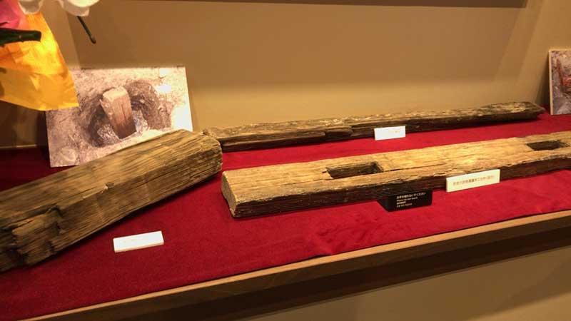 若宮大路の側溝に使用されていた木材