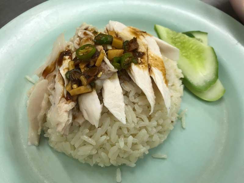 タイに来たらひとまず食べますよね
