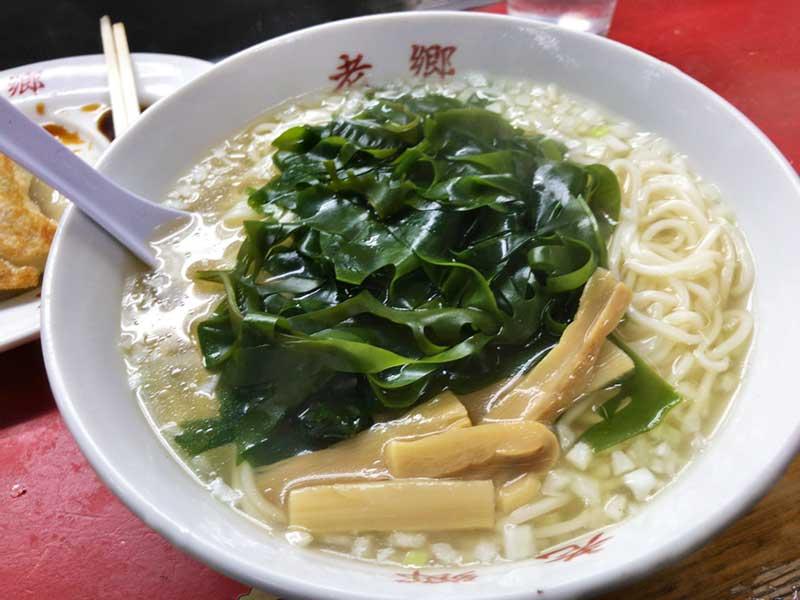 平塚ラオシャンの湯麺はシンプルなスープ麺